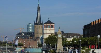 Schlossturm und Lambertuskirche
