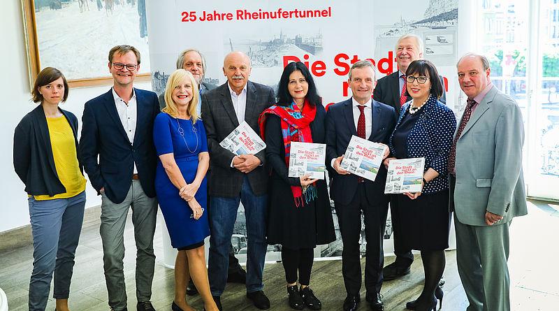 Vorstellung des Buches über den Rheinufertunnel mit allen Beteiligten bei einer Pressekonferenz im Rathaus am Montag, den 13. Mai 2019 - © Landeshauptstadt Düsseldorf/Melanie Zanin