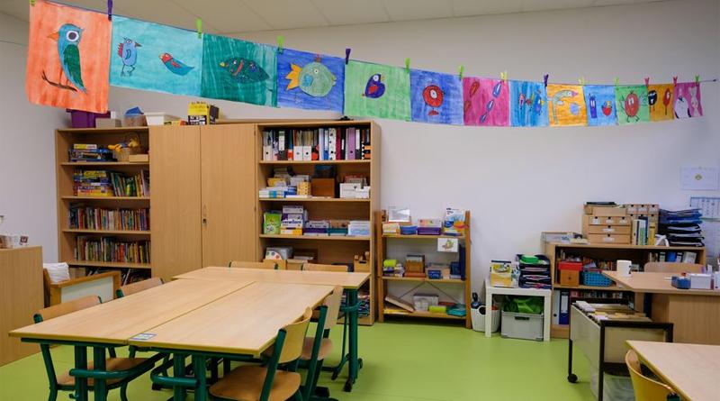 Die Katholische Grundschule Essener Straße freut sich über vier neue Klassenräume - © Landeshauptstadt Düsseldorf/Michael Gstettenbauer