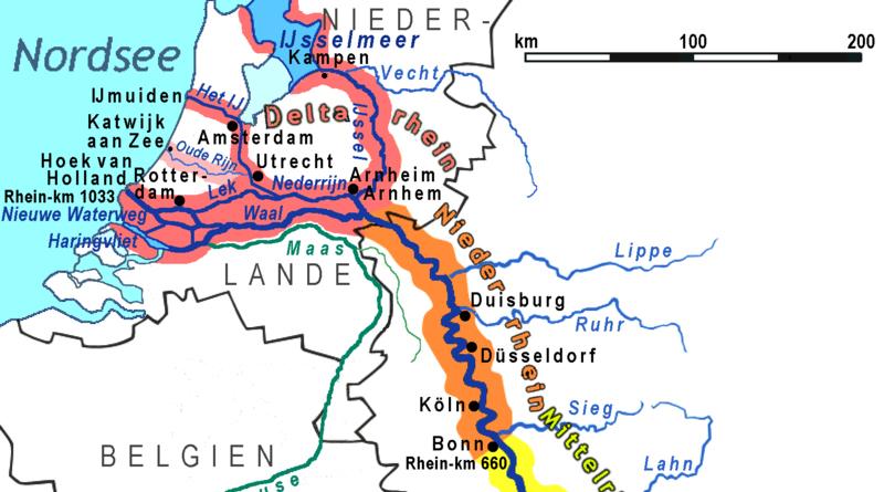 Abschnitte des Rheinlaufs (Ausschnitt) - Von Ulamm - File:Rhein-Karte.png by Daniel Ullrich (Threedots), CC BY-SA 3.0, https://commons.wikimedia.org/w/index.php?curid=32751894